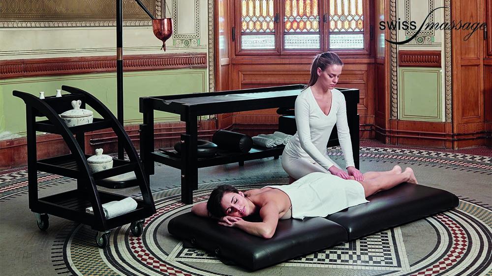 Table ayurvédique modèle india au sol